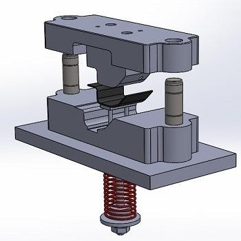 طراحی و مدلسازی قالب خم با سالیدورک